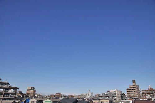 Sky10122301_2
